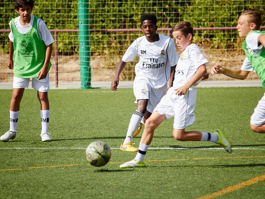 "Лагерь ""Real Madrid Foundation Campus Experience""."