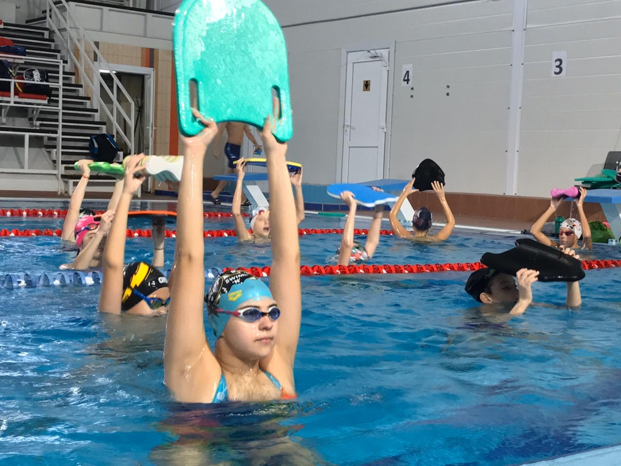"Лагерь ""Aqua Sport summer swim camp""."